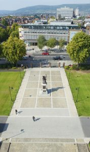 Queen's University Belfast (2)