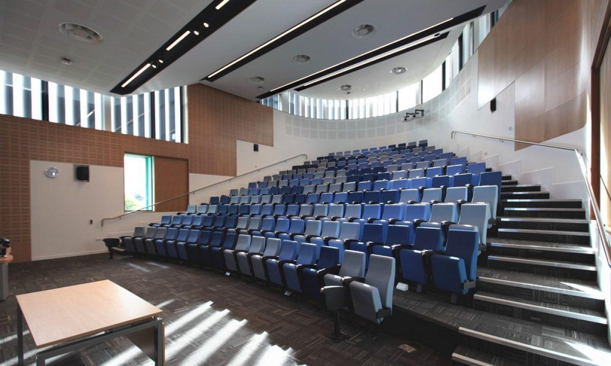 anglia-ruskin-university-building-r150416-2